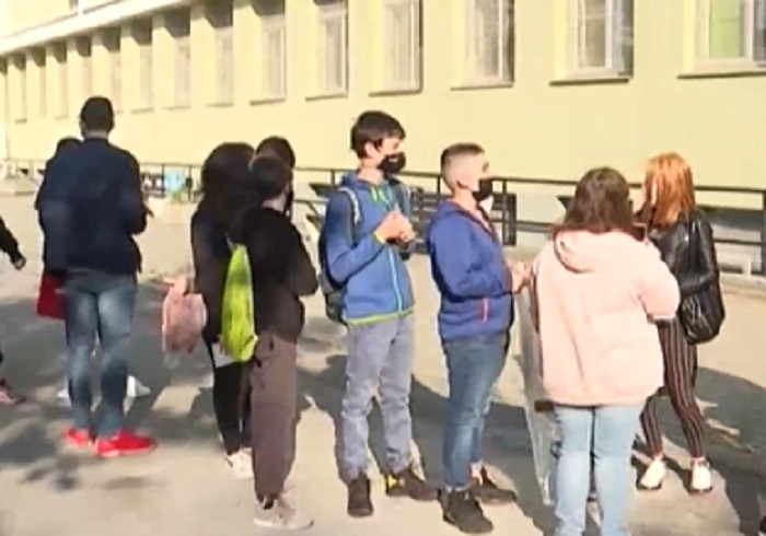 60 000 седмокласници в цялата страна се явиха на матура по БЕЛ