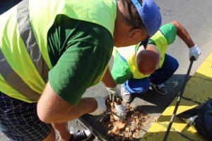 Чистят шахтите в Пловдив
