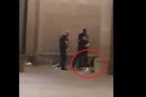 Полицаи бият и хвърлят зад колоната