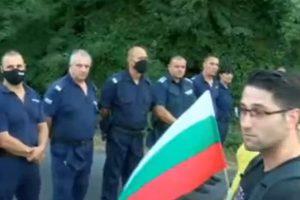 """Опитът за блокада на магистрала """"Тракия"""" Кадър: БНТ"""