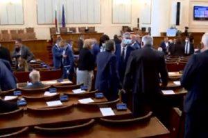 От есента народните представители ще заседават в сградата на бившия Партиен дом