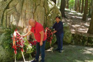 Георги Гергов и Георги Търновалийски положиха венец и цветя пред паметника