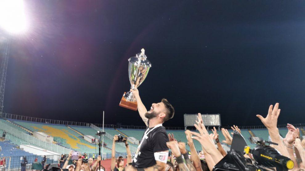 Димитър Илиев с Купата на България