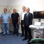 Д-р Димитър Шишков и дарителите от КЦМ.