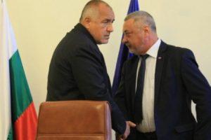 Коалиционните партньори се разбраха да изкарат мандата докрай.