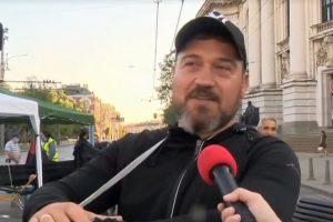 Никола Вапцаров от блокадата пред Ректората. Кадър: БНТ