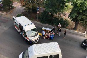 Възрастен шофьор удари пешеходка