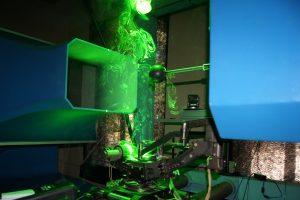 Новата лазерна апаратура в Техническия университет.