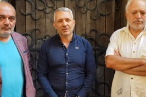 PR специалистът Арман Бабикян, адвокат Николай Хаджигенов и проф. Велислав Минеков