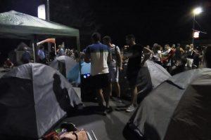 Протестиращите направиха палатков лагер на моста на Панаира