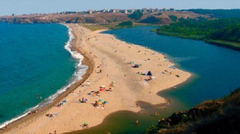 """Плаж """"Устието"""" в Синеморец"""