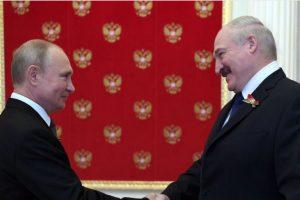 Путин и Лукашенко си стиснаха ръцете