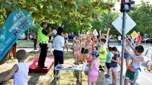 """Събитието събра деца и възрастни на детската площадка по безопасност на движението в район """"Южен"""""""