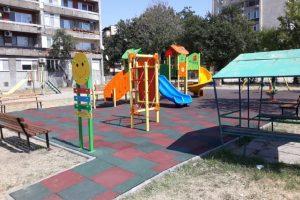 Изискването на детските площадки да има противоударни настилки влезе в сила в края на 2018 г.