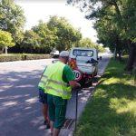 Работници почистват шахти в Пловдив