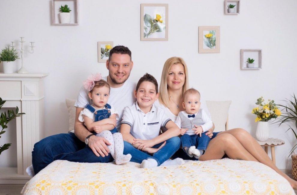 Ангел Краевски и семейството му