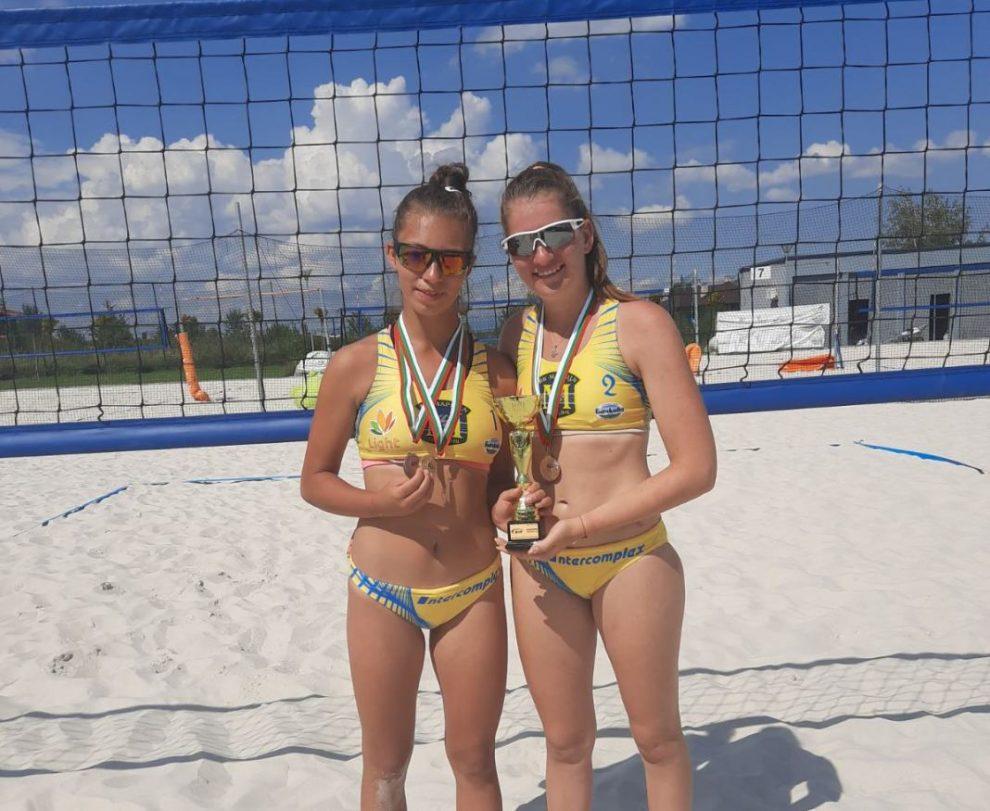 Анета Петрова и Дарина Киндова