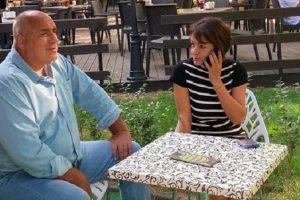 Бойко Борисов пусна кадър във Фейсбук как пие кафе с Росица Кирова