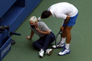 Новак Джокович удари една от съдийките край корта