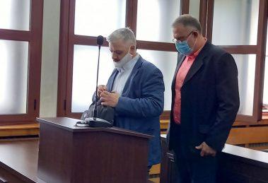Д-р Иван Димитров с адвоката си Гено Василев
