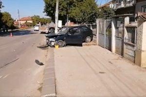 Ударената от тира кола в Драганово. Кадър: Нова