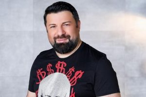 Тони Стораро