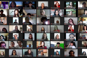Онлайн комуникацията обединява младежите във време на изолация.