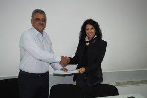 Димитър Иванов и Гергана Титюкова подписаха договора по проекта.