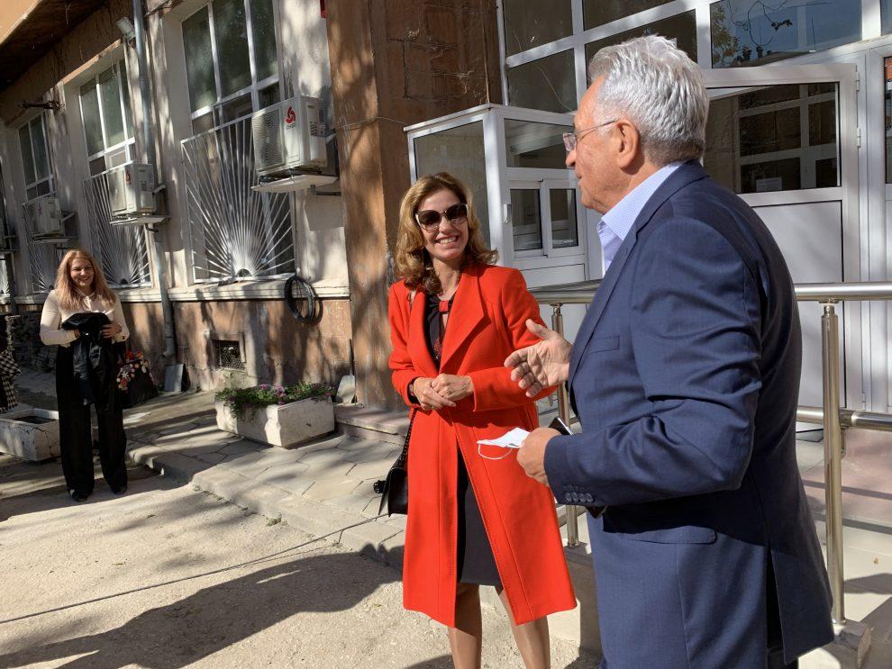 Зам.-кметът Анести Тимчев провери ремонтните дейности в Комплекса за ранно детско развитие.