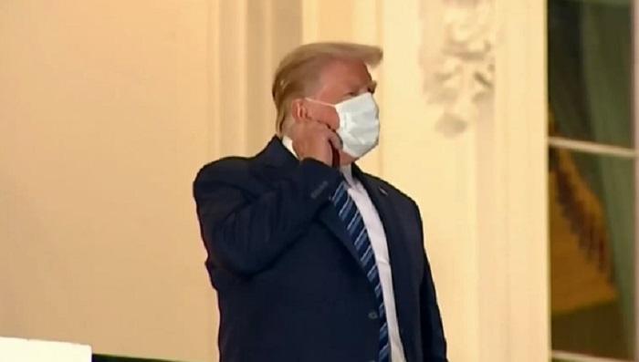 Тръмп излезе от болницата и свали маската