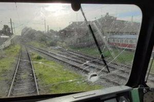 Счупеното стъкло на локомотива