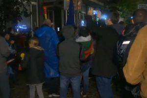 Протестът пред БНТ.