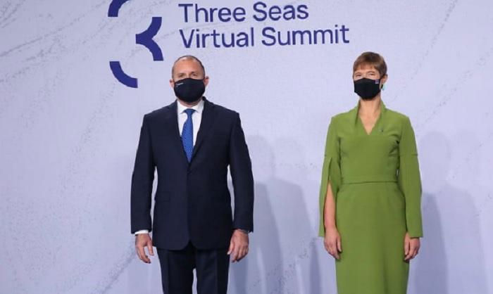 """Естонският президент Керсти Калюлайд обяви, че Радев не е посетил официалната вечеря планирана вчера след срещата на иницитавата """"Три морета"""""""