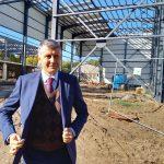 """Зам.-кметът Георги Титюков провери строителството на зала """"Дунав""""."""