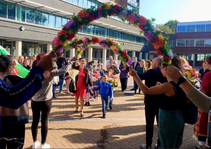 """В училище """"Българче"""" в Лондон посрещат първокласници"""