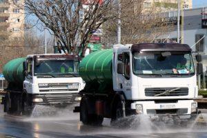 Машини мият улиците на Пловдив