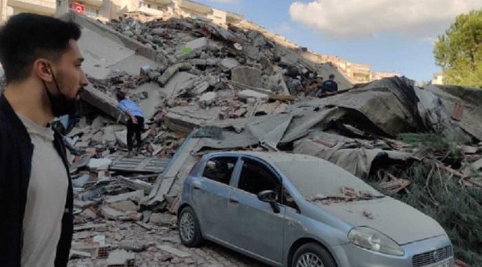 Земетресението събори сгради в Турция