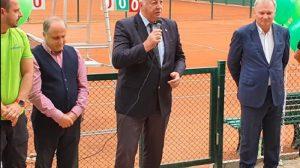 Община Пловдив ще продължи да помага на всички, които инвестират в спорт, каза кметът