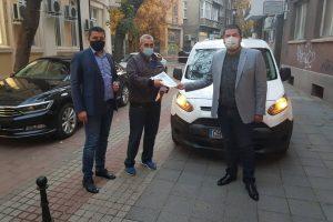 Новият автомобил на патронажа в Брестовица.