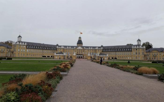 Дворецът на Карлсруе