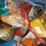"""В """"Тракия"""" помагат с основни храни на нуждаещите се."""