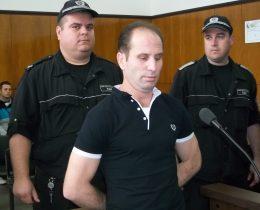 Ирхан Камбур при произнасянето на присъдата.