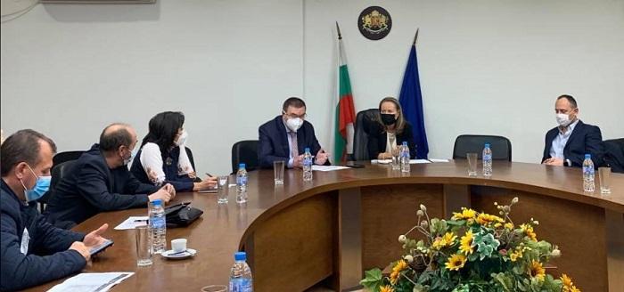 Проф. Костадин Ангелов се срещна с лекари и управители на болници в Пловдив