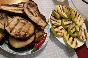 Патладжани и тиквички на скара - вкусна и полезна храна при постене.