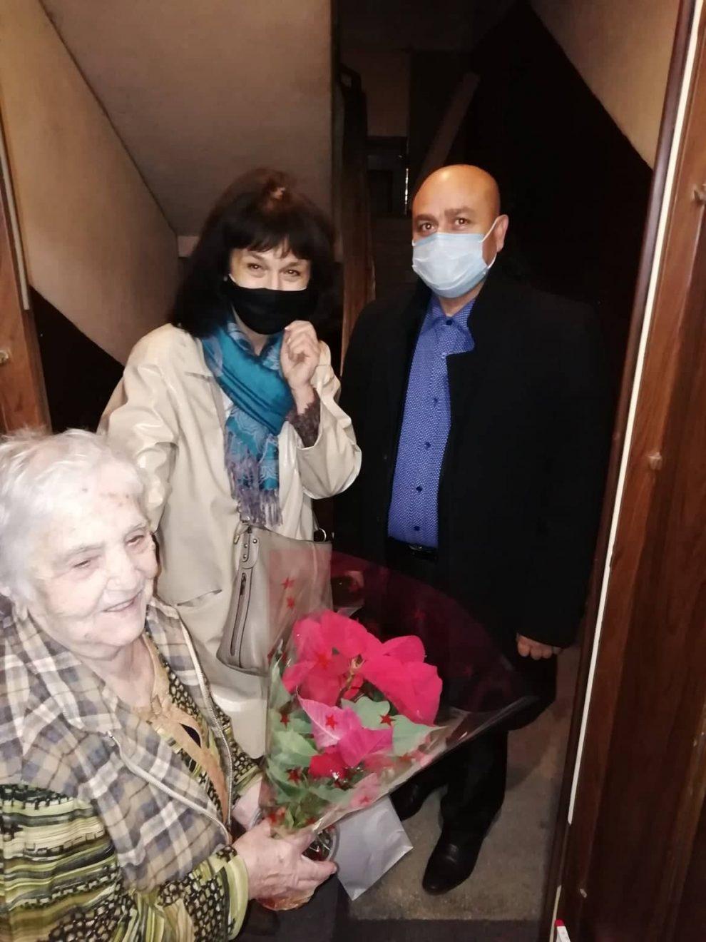 Стоянка Попова пожела на всички да стигнат нейните години.