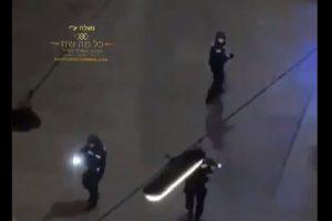Полицаи отцепват мястото на стрелбата