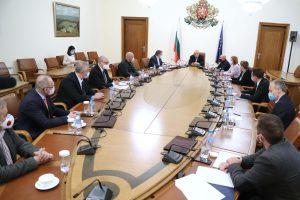 Съвещанието, на което беше решено, че няма да има разхлабване до 21 декември.