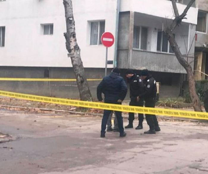 Мястото на местопрестъплението е отцепено от полиция