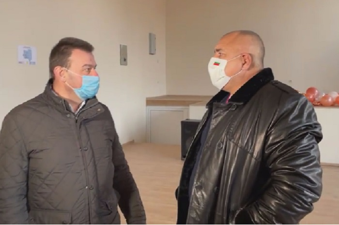 Бойко Борисов и кметът на Сливница Васко Стоилков