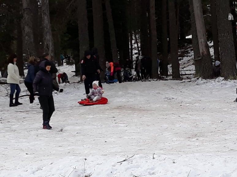 Зимни забавления на Бяла черква
